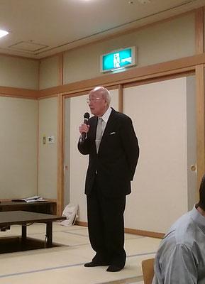発起人代表あいさつをされる藤井壽人先生。