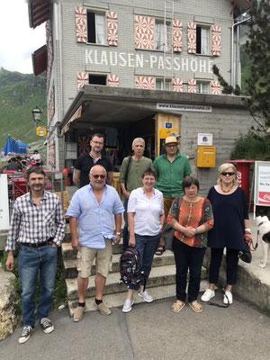 Alle Teilnehmer sind beim Hotel Klausen-Passhöhe angekommen