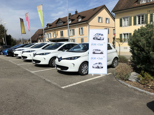 Sauber parkierte ZOE beim Hotel Ochsen Lenzburg