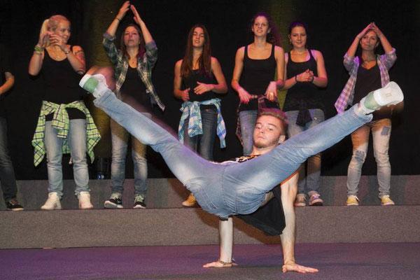 Show Breakdance