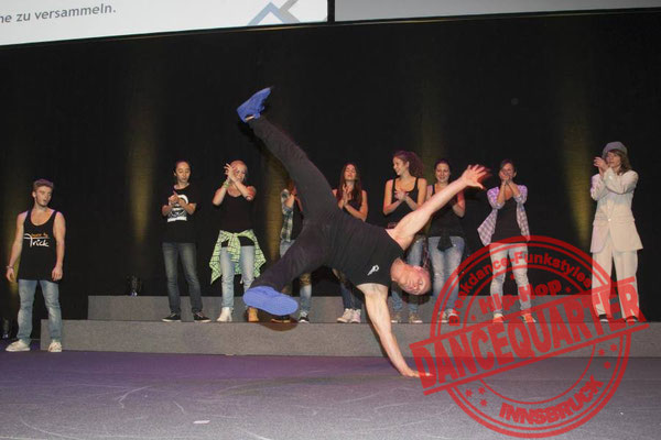 Show Breakdance