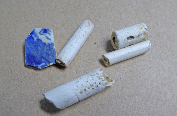 Pijpensteeltjes en aardewerk
