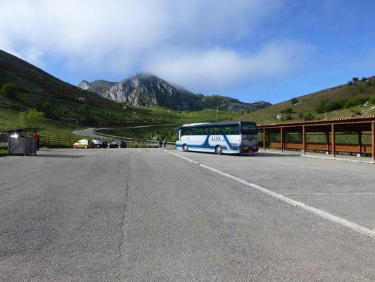 Busparkeerplaats bij Lago de Enol
