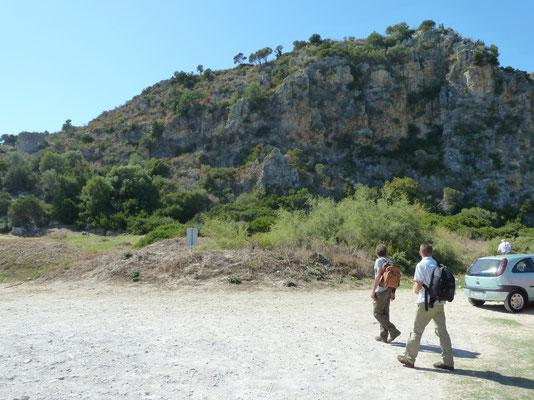 rots bij strand Pilos