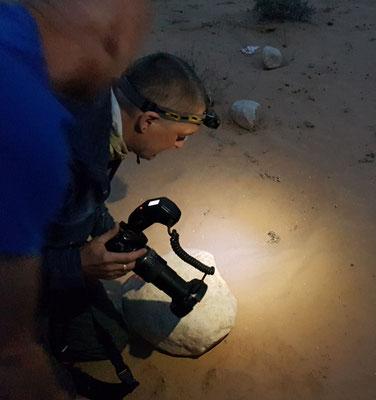 Martin fotografeert in het donker