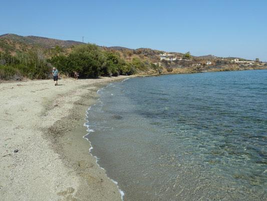 strand in noordoost Peloponnesos