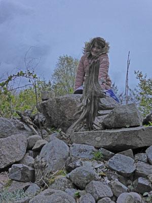 Rasmi op de rotsheuvel