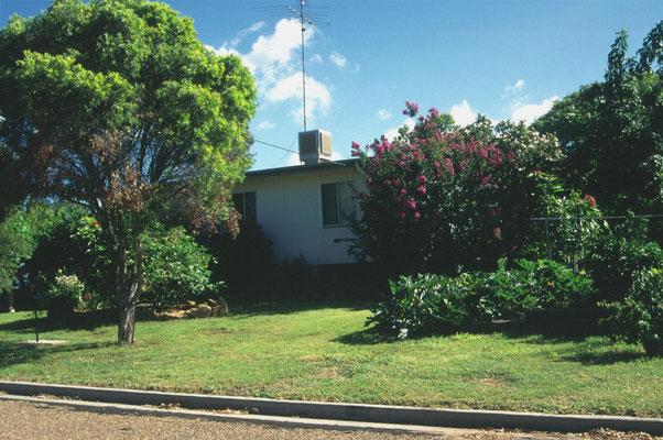 Huis en tuin van vam Uncle Hank in Moura