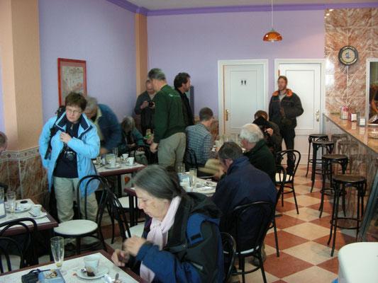 ontbijten in een cafetaria
