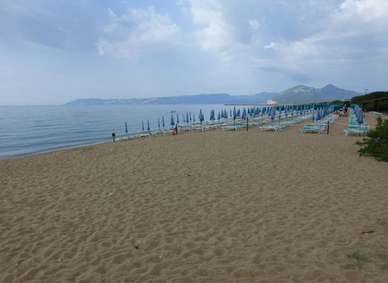 strand nabij ons hotel