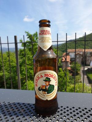 Ons eerste Italiaans biertje, foto Marcel