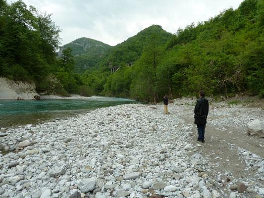 bij de beek/rivier