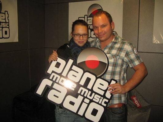 Moderator Matthias Milberg und Sängerin Stefanie Heinzmann