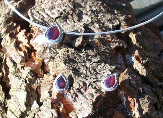 Ohrstecker 925 Silber mit Granat