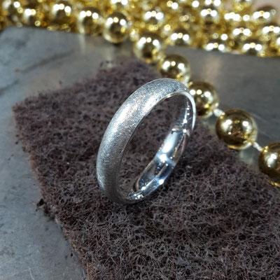 Schlichter Silber Ring