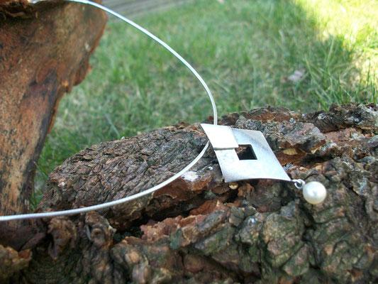 Silberanhänger mit Süßwasser Perle