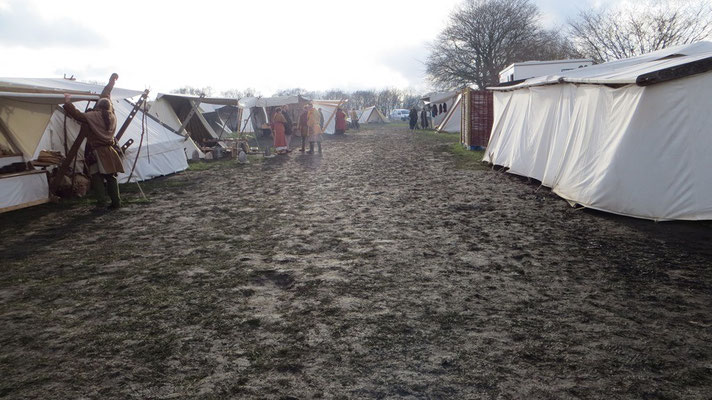 Die Regen- und Graupelschauer hinterließen auf der Lagerwiese ein Bild der Verwüstung
