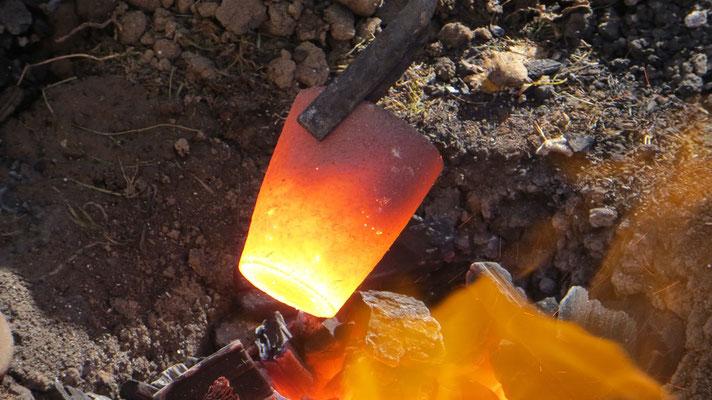 ...Reinsilber und ein wenig Kupfer zum Schmelzen brachte...