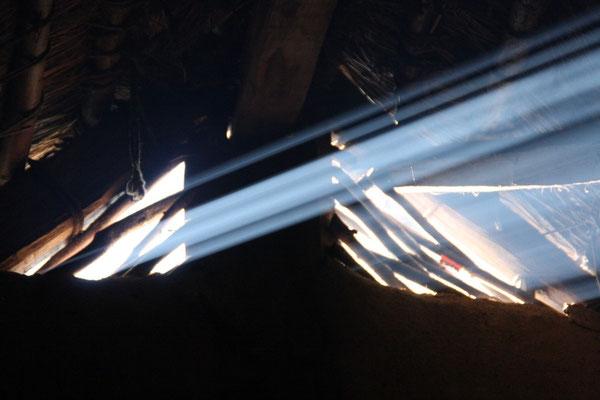 Aber als die Sonne untergeht und uns wieder einmal mit unserer ganz privaten Lasershow verzaubert....