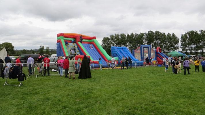 Auf irischen Veranstaltungen wird großes Augenmerk auf die Kinderbespaßung gelegt...