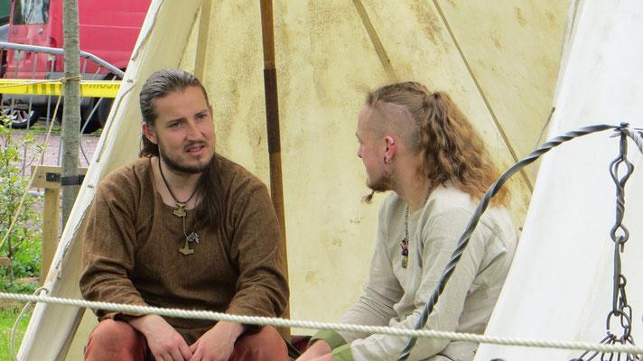 """Trevor und Alex - die """"Macher"""" der Whitehorse Living History Society"""