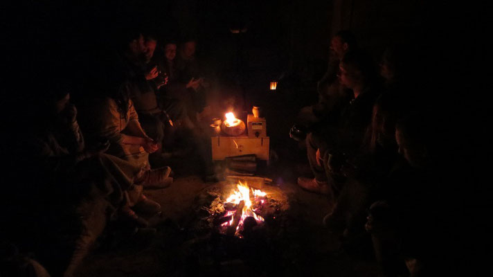 Mit den vielen Freunden in unserem Kreise waren die Abende sehr sehr sehr sehr lustig!
