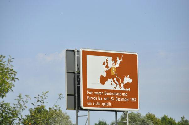 Touristisches Schild ehem. Grenze