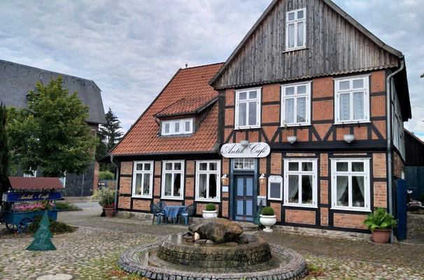 Antik-Café Bergen (Dumme: guter Kaffee und leckerer Kuchen (07_2020)