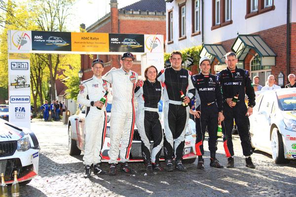 """Siegerfoto der ADAC Rallye """"Rund um die Sulinger Bärenklaue"""""""