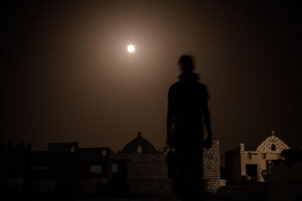 // ADOPTEE PAR ANTOINE // Tirage avec marge blanche (Papier 41x31 cm - Photographie 24x36cm) - Egypte (oasis de Bahariya) !!! bordure blanche un peu endommagée - Photo impeccable !!!