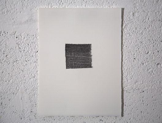 """""""DES PAGES BLANCHES TROP GRANDES POUR DES MOTS EN VAIN"""", dessin, graphite sur BFK Rives, 25x32,5 cm, 2019, photo © David Kidman"""