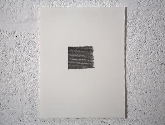 """""""C'est l'intermittence qui est érotique : celle de la peau qui scintille entre deux pièces ; c'est le scintillement même qui séduit ou encore : la mise en scène d'une apparition-disparition."""" [R. Barthes], dessin, graphite sur BFK Rives, 25x32,5 cm, 2019"""