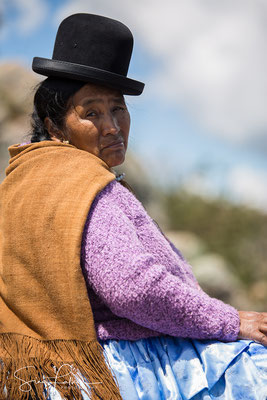 Cholita at the lake of Titicaca