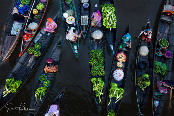 Floating market from a bird's eye view