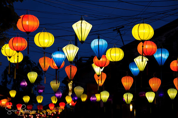 Colorful lanterns in the old town of Hoi An