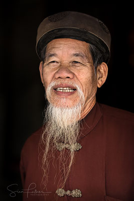 Old man in Hoa Binh