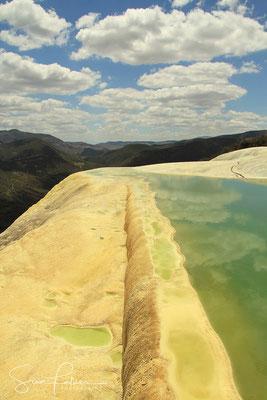 Play of colors in Hierve el Agua