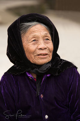 Old woman in Hoa Binh