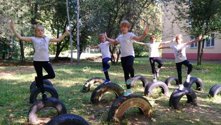 Урок физкультуры в 4 классе