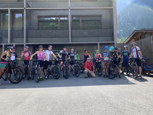 Gruppenfoto Biken Zum Goldenen Zahnkranz 2019