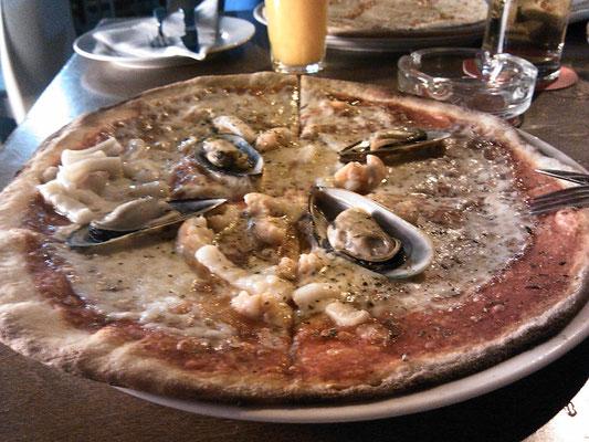 pizza tenerife` style