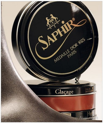 SAPHIR PATE DE LUXE MED. D'OR 100 ML Cera altamente lucidante e nutriente per scarpe di lusso come Church e altri marchi inglesi.Disponibile neutra o colorata dona lucentezza incomparabile !