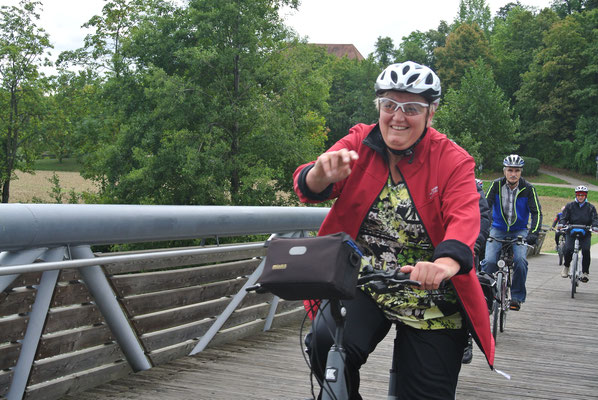 Fahrt über die Brücke am Zusammenfluss von Donau und Naab