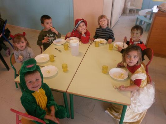 Les petits monstres au repas