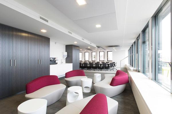 Aménagement d'une salle de conseil de 40 personnes, Bureaux, Paris 10, 2014, Architectes: Guillaume Cariou et Cedric Hurstel / JLL .