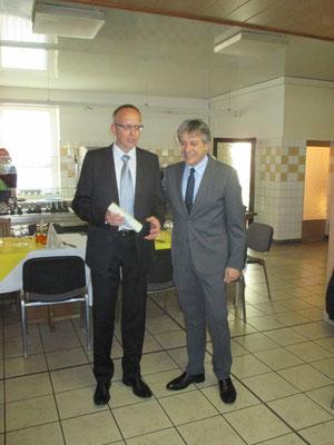 Peter Gierth, Vors. des Konzertchores Riesa e.V., rechts Dr. Nicola Bianchi, Stadtrat  von Lonato del Garda 2016