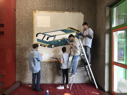 Entstehungsprozess eines Wandgemäldes in der Dieter-Forte-Gesamtschule Düsseldorf, Schülerarbeit