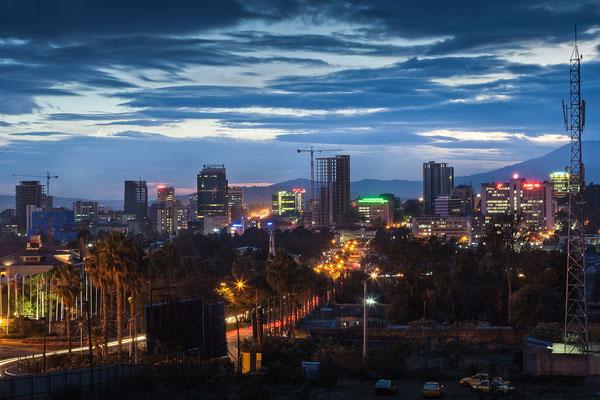 <b>Mulugeta Gebrekidan: Addis bei Nacht III.</b>