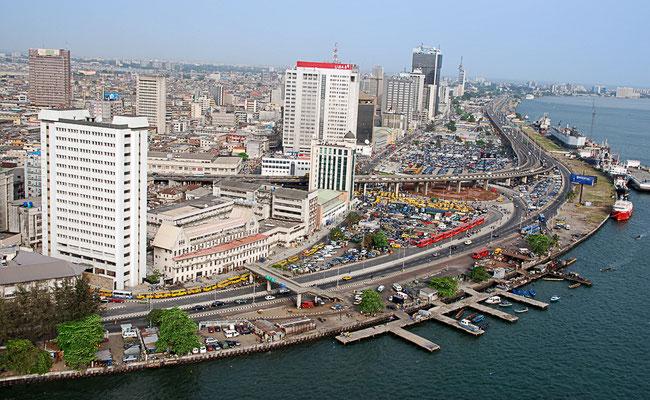 """<b> Olayinka Oluwakuse: Lagos von oben.</b> Das Bild gehört zur Antwort-Fotoreihe """"RE: 101 Gründe nicht nach Lagos zu gehen"""". Mit der die Stadtbewohner auf den Artikel eines ausländischen Journalisten reagierten."""