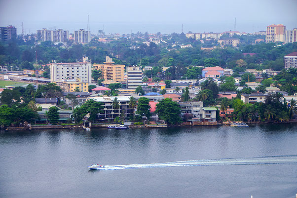 <b> Tunde Alabi-Hundeyin: Bezauberndes Lagos.</b> Lagos ist eine bezaubernde Insel mit wunderschönem Blick auf die Lagune, den Ozean, kleine Flüsse und Strände.